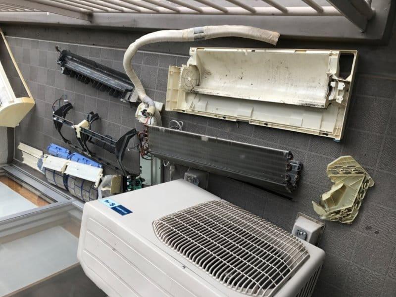 エアコンを完全分解洗浄!劣化パーツ補修も込みです!