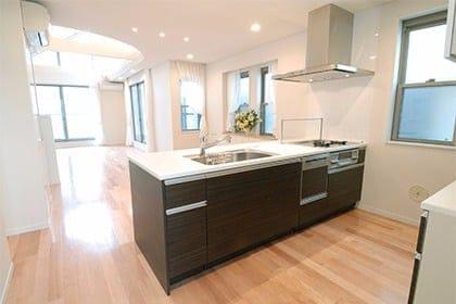 夫婦で経営♪快適な住まいづくりをお手伝いする掃除のプロのキッチンクリーニング
