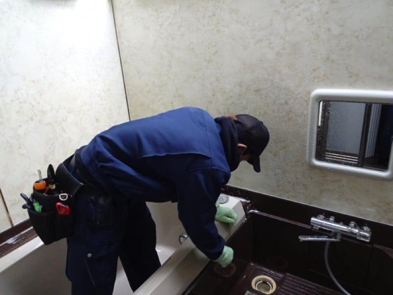 ビル・マンションの清掃で年間4000件近くの実績!浴室コース